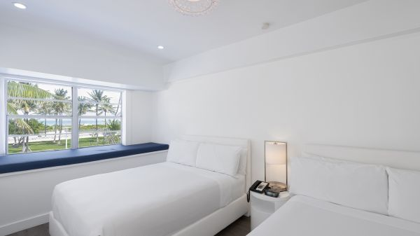The Penguin Hotel - Oceanfront Hotel in Miami Beach